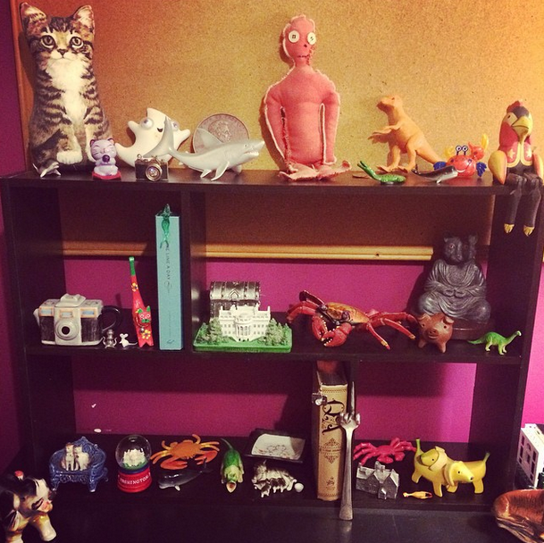 I finally organized all of my knick knacks in my office!